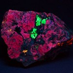 Meionite fluorescing under shortwave ultraviolet light