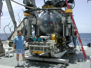 Charlie Mazel next to the Johnson Sea-Link ready for first-ever deep fluorescence dive, Bahamas 2003.