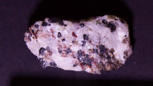 Calcite and willemite, white light